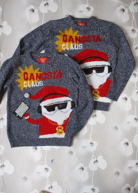 Новогодний свитер с модным сантой/для фото сессии
