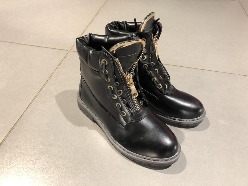 Качественные осенние демисезонные ботинки на низком ходу