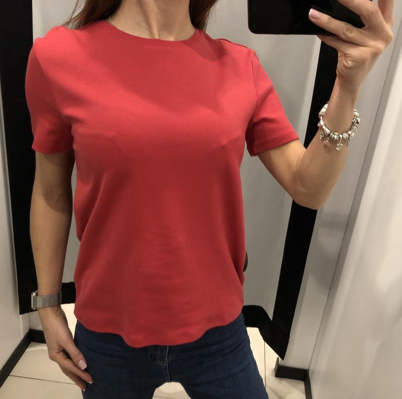 Коралловая футболка mohito есть размеры