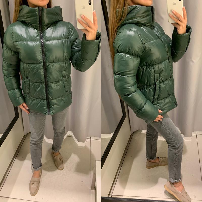 Обьемная зеленая куртка reserved есть размеры