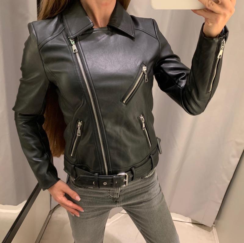 Качественная куртка косуха кожанка reserved есть размеры