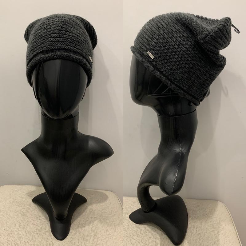 Серая шапка mohito