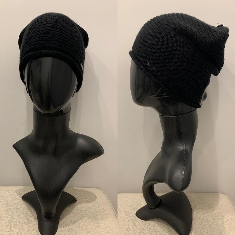 Чёрная шапка mohito