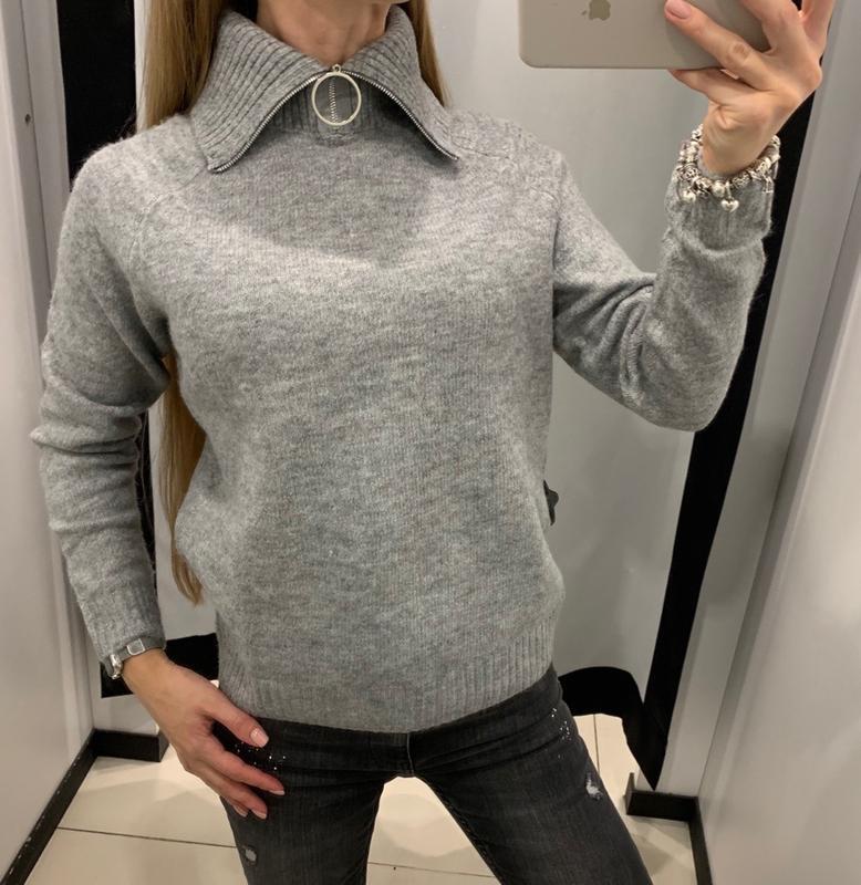 Тёплый серый свитер с горлом кофта mohito есть размеры