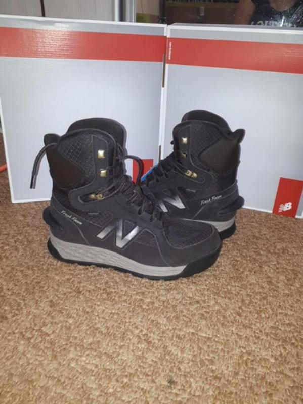Замшевые ботинки new balance 43.42.5
