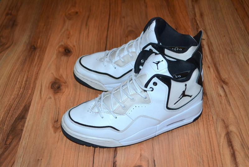 Продам кроссовки jordan - 42 размер