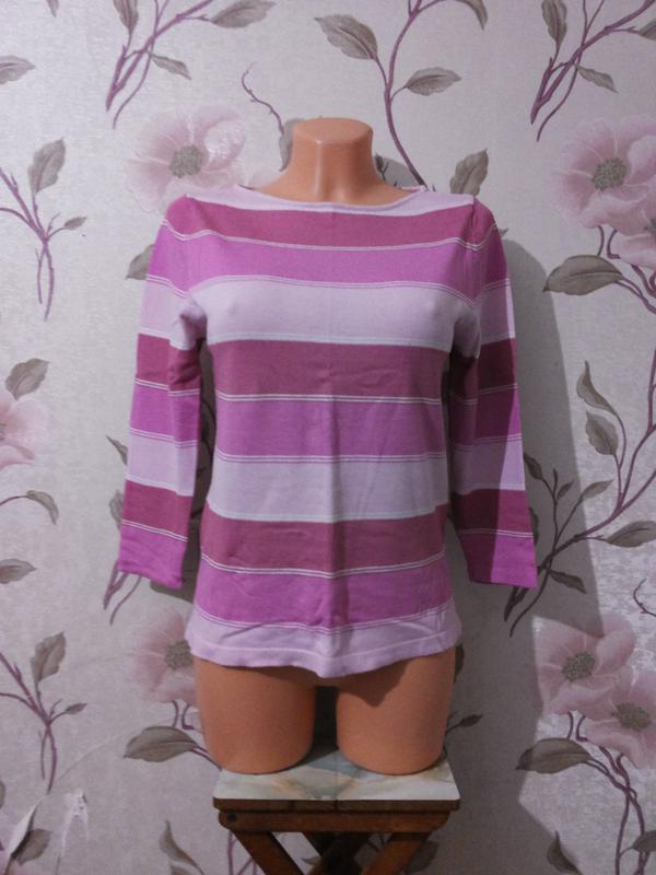 Тонкий свитер в розовые полоски с-м