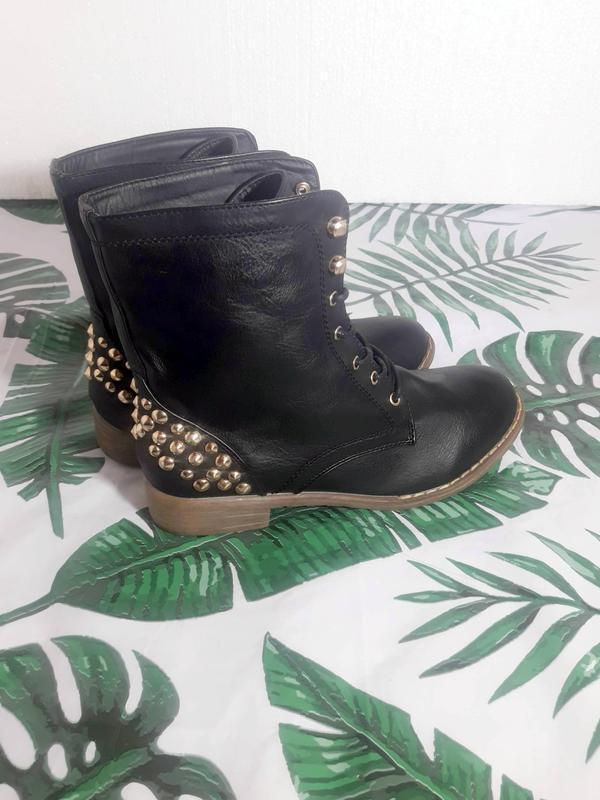 Распродажа! актуальные ботинки с шипами + натур кожа