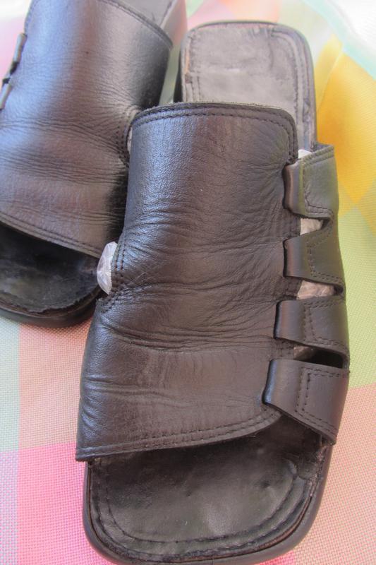 Кожаные, женские шлепанцы, босоножки (40 размер)