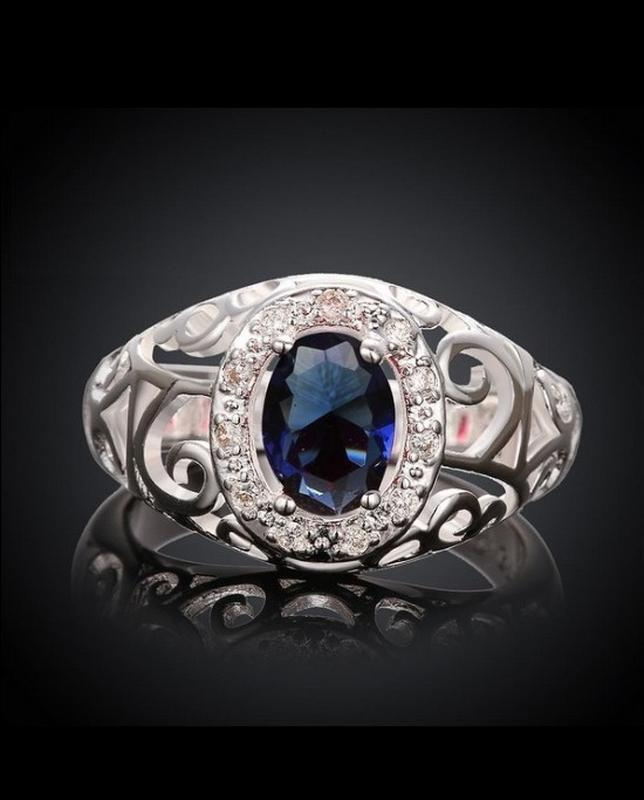 🏵шикарное кольцо в серебре 925 с сапфиром-цирконом, 18 р., нов...