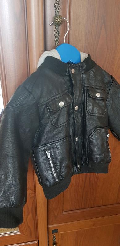 Курточка из кожзама на 1.5-2года
