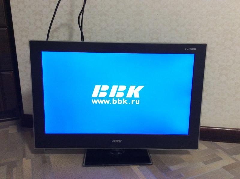 Телевизор ВВК LED2455F жк со встроенным DVD плеером.