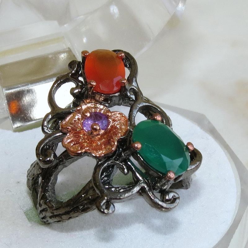 Кольцо с зеленым ониксом и сердоликом, серебро 925, р.16,8