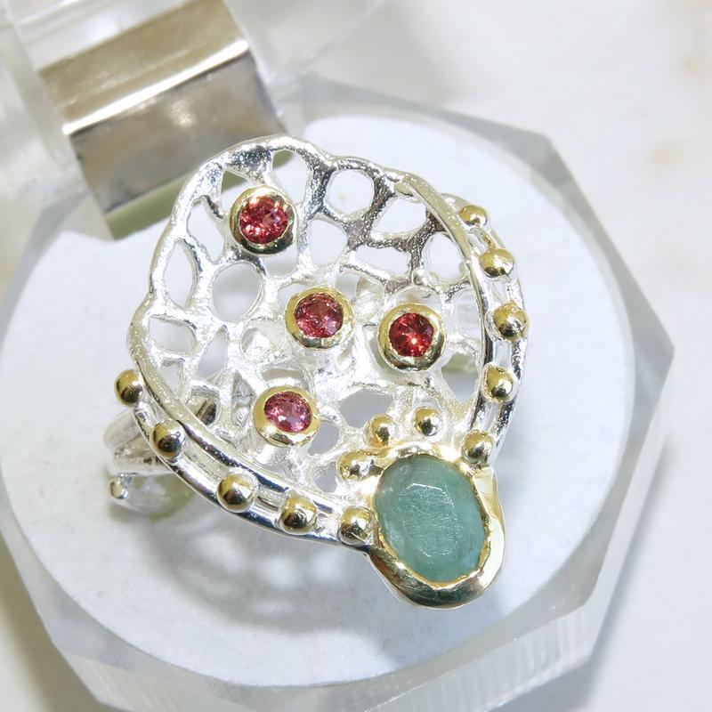 Кольцо с изумрудом, серебро 925, р.18