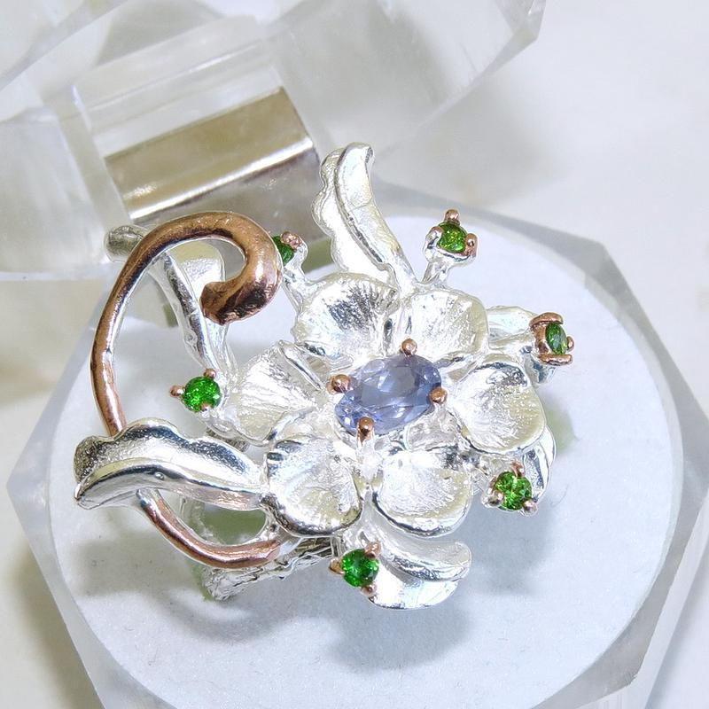 Кольцо с иолитом, серебро 925, р.17,7 и больше