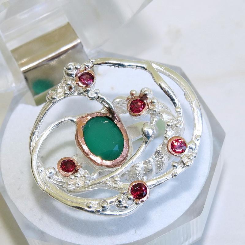 Кольцо с зеленым ониксом,серебро 925, р.18,5
