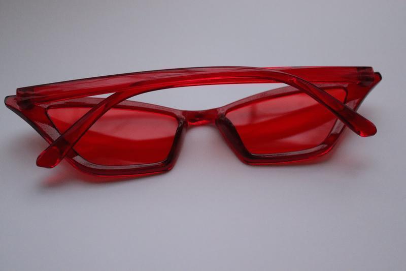 Стильные красные очки - Фото 3