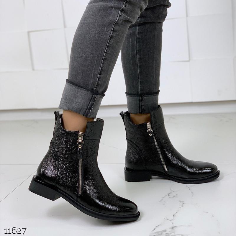 Зимние ботинки из натуральной лаковой кожи - Фото 2