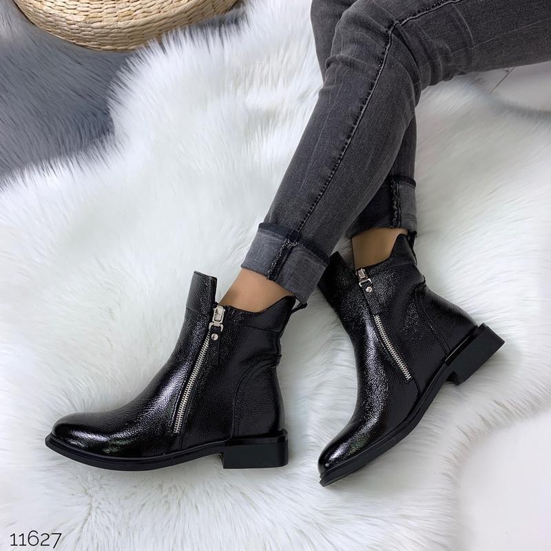 Зимние ботинки из натуральной лаковой кожи - Фото 3