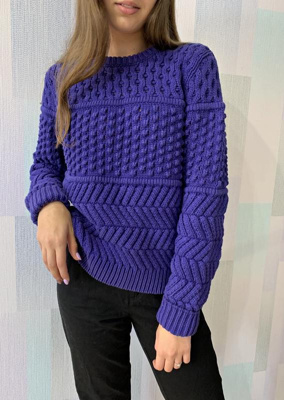 Текстурный свитер фиолетового цвета