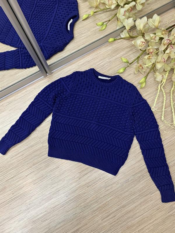 Текстурный свитер фиолетового цвета - Фото 5