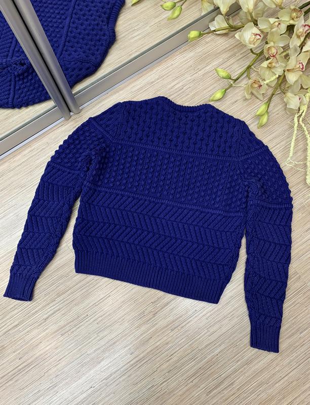 Текстурный свитер фиолетового цвета - Фото 6