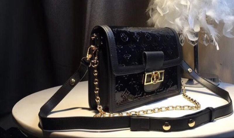Шикарная сумка lv