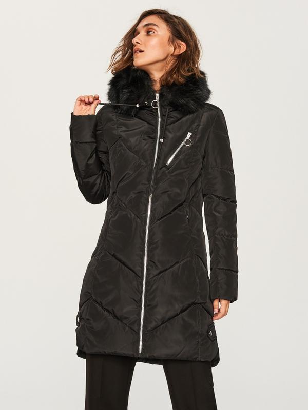 Продам новую тёплую куртку пальто с капюшоном