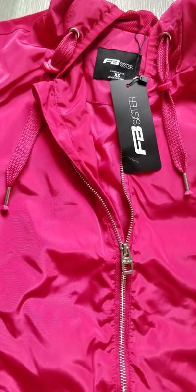 !продам новую женскую спортивную лёгкую куртку ветровку с капю... - Фото 9