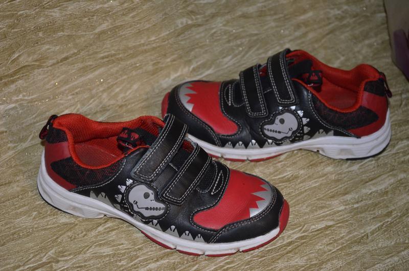 Кожаные кроссовки clarks 11 1/2 f р., мигают при ходьбе