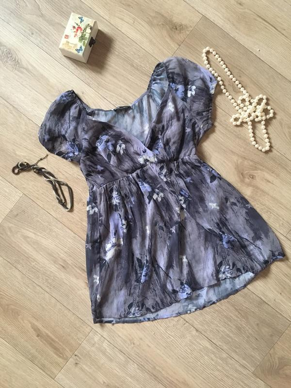 Легкая шифоновая разноцветная блуза с вырезом oodgi