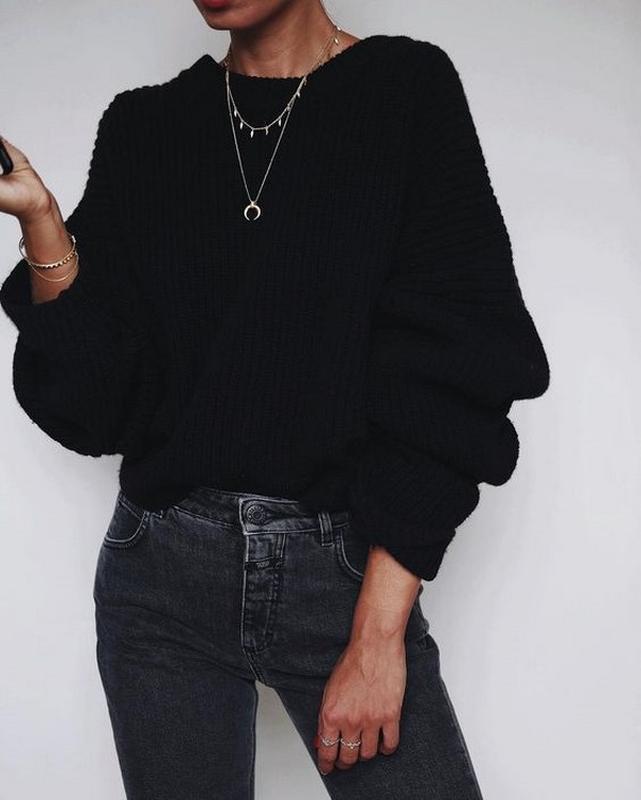 Тёплый объёмный стильный укороченный свитер с оборками от zara...