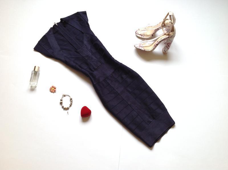Темно-синее бандажное платье мини french collection