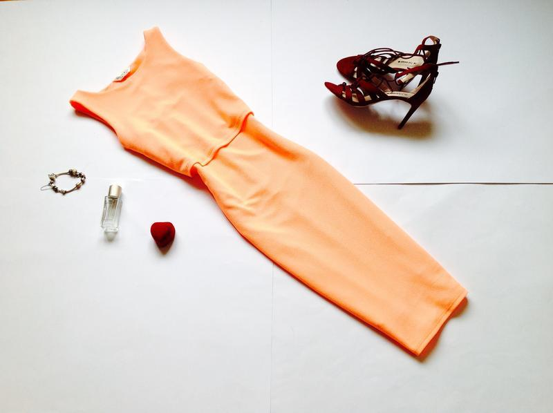 Яркое  платье миди карандаш miss selfridge