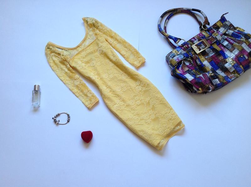 Желтое кружевное платье мини h&m