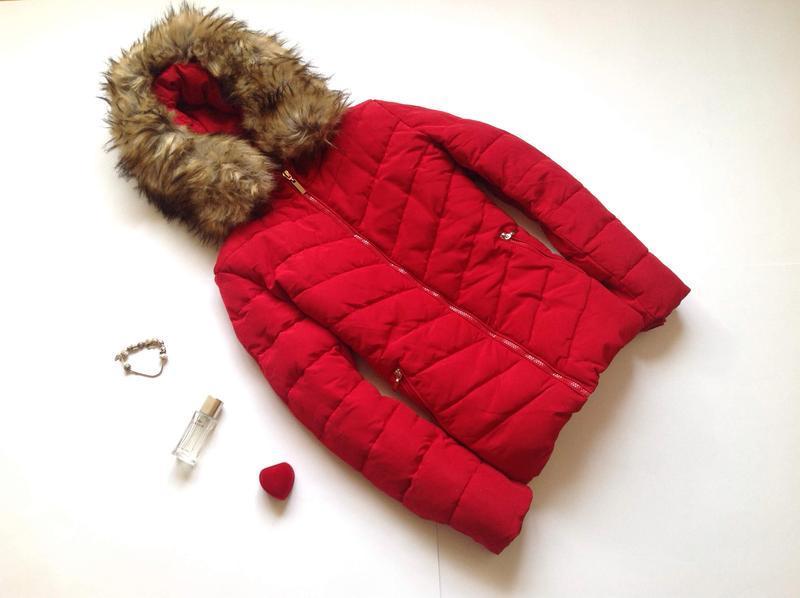 Зимняя красная куртка attentif