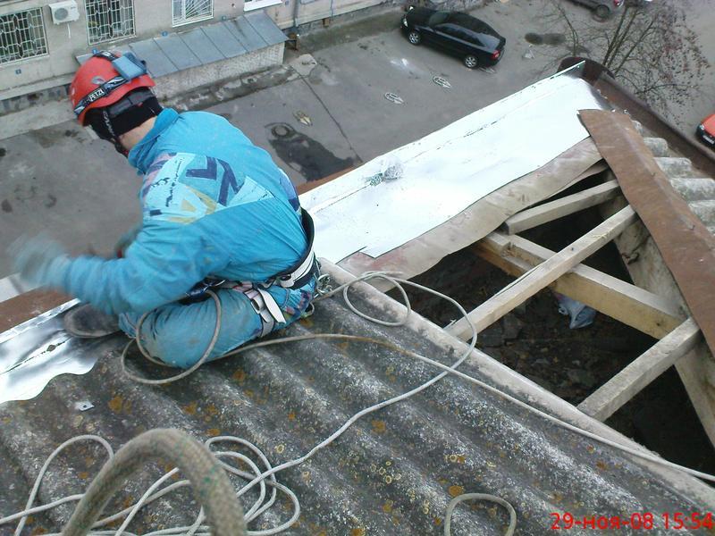 Уборка снега с крыш (устранение течи козырьков) - Фото 5