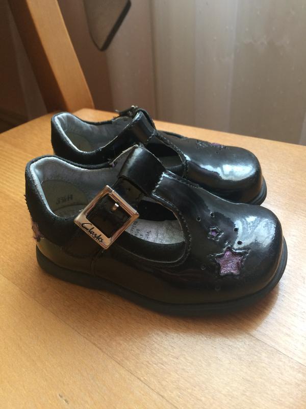 Фирменные лаковые туфли 19 р. 12.5 см.