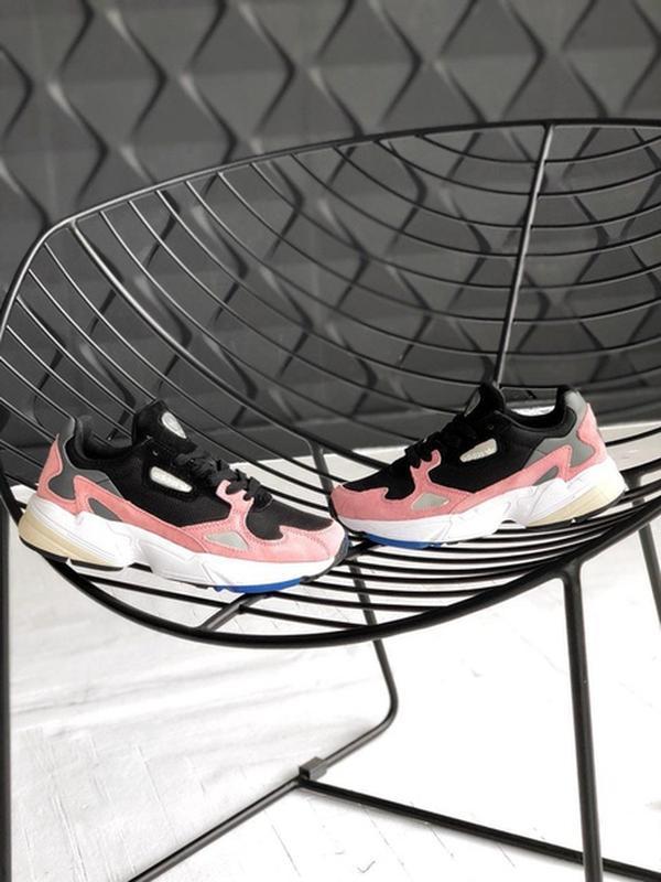 Шикарные нежные женские кроссовки adidas falcon yung 1 pink bl...