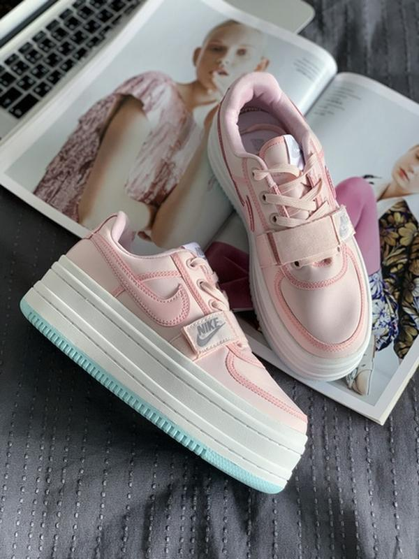 Шикарные женские кроссовки nike womens vandal 2k rose beige pink