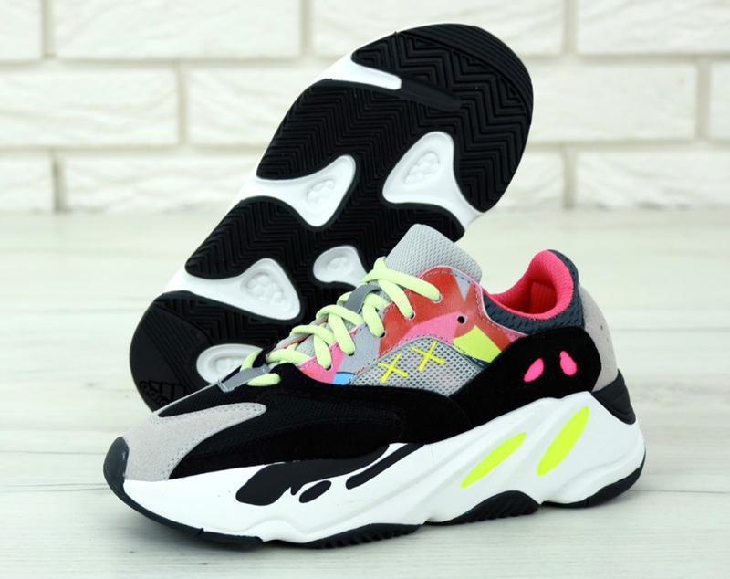 Шикарные женские кроссовки adidas yeezy boost 700