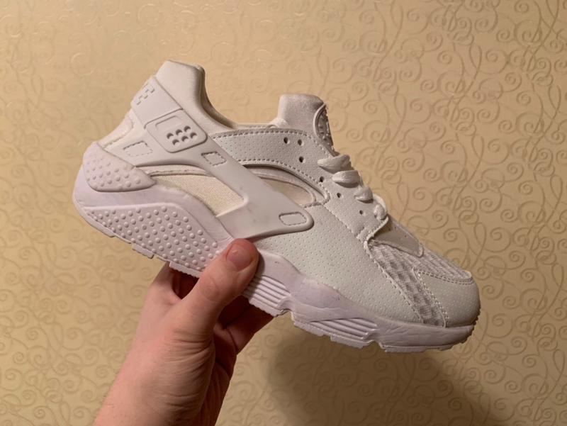Шикарные женские кроссовки nike air huarache white
