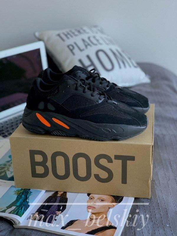 Шикарные мужские кроссовки adidas yeezy boost 700 v2 custom black