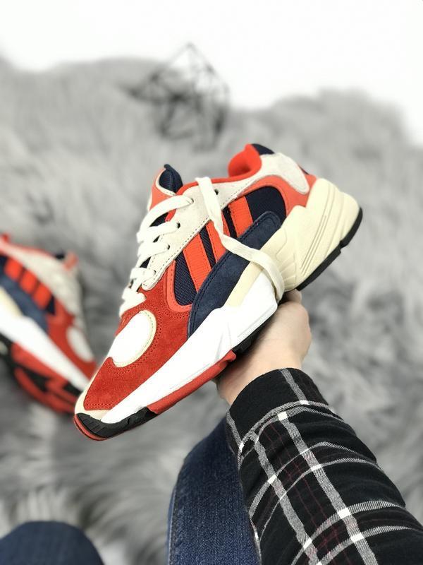 Шикарные женские мужские кроссовки adidas yung-1 red