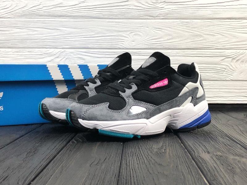 Шикарные женские кроссовки adidas falcon grey black