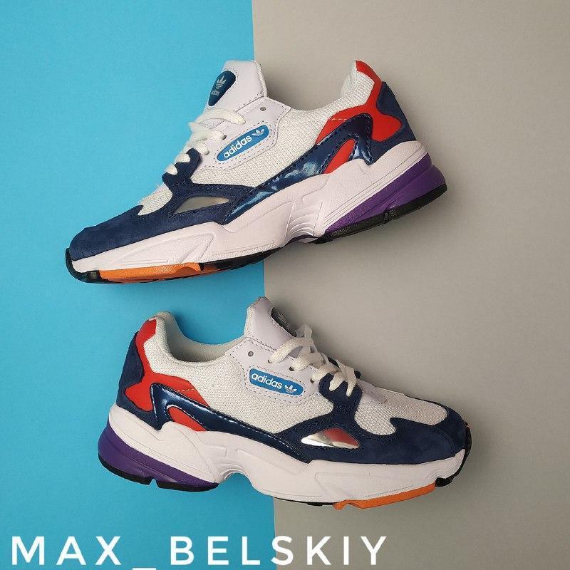 Шикарные женские кроссовки adidas falcon white blue