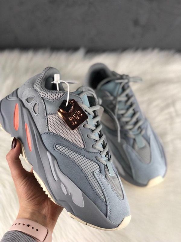 Шикарные женские кроссовки adidas yeezy 700 inertia