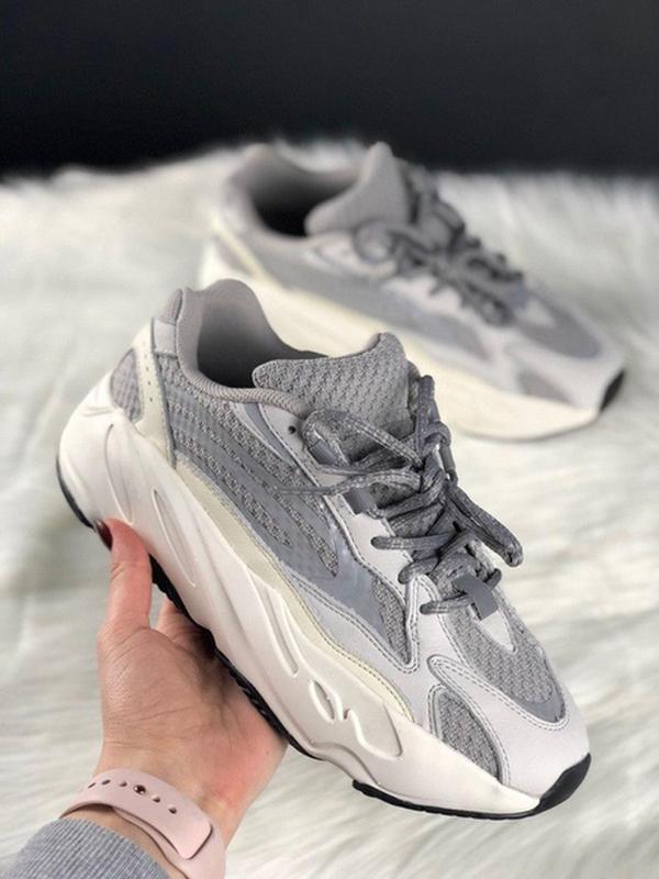 Шикарные женские кроссовки adidas yeezy 700 v2 static