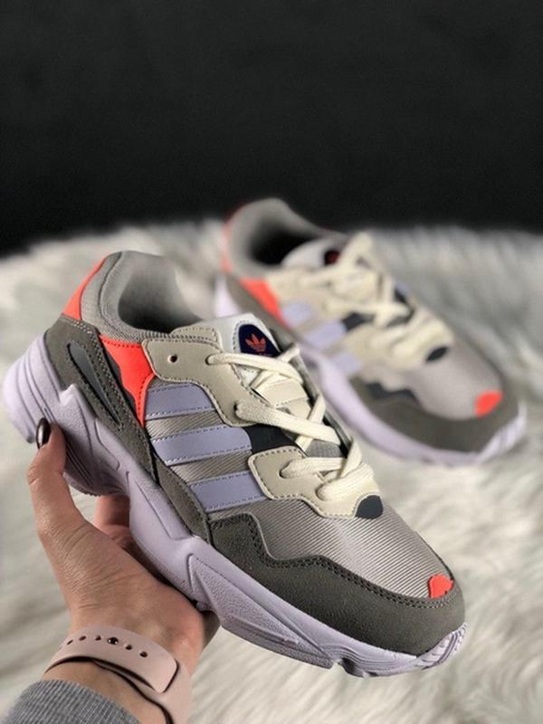 Шикарные женские кроссовки adidas yung 96 white grey orange