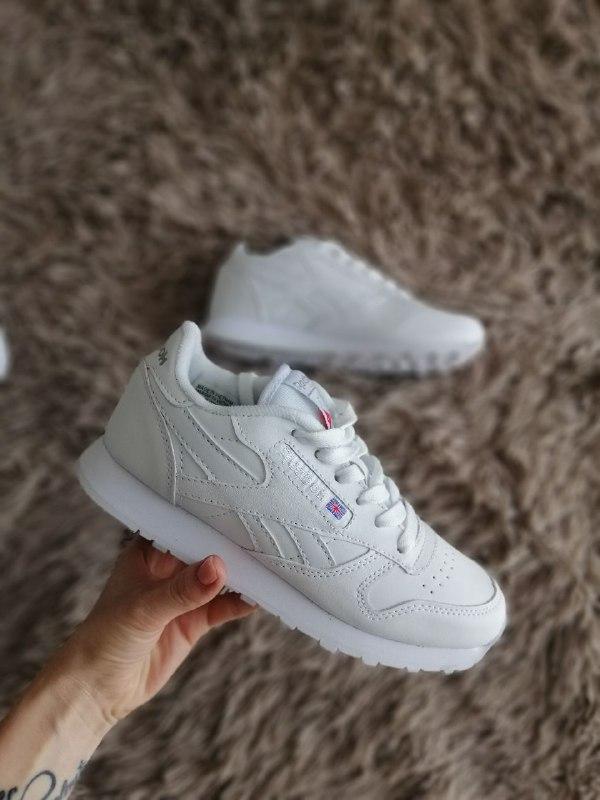 Шикарные женские кроссовки reebok classic white